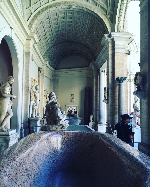 vatian-statue-2