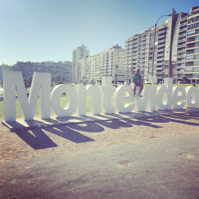 montevideo-sign