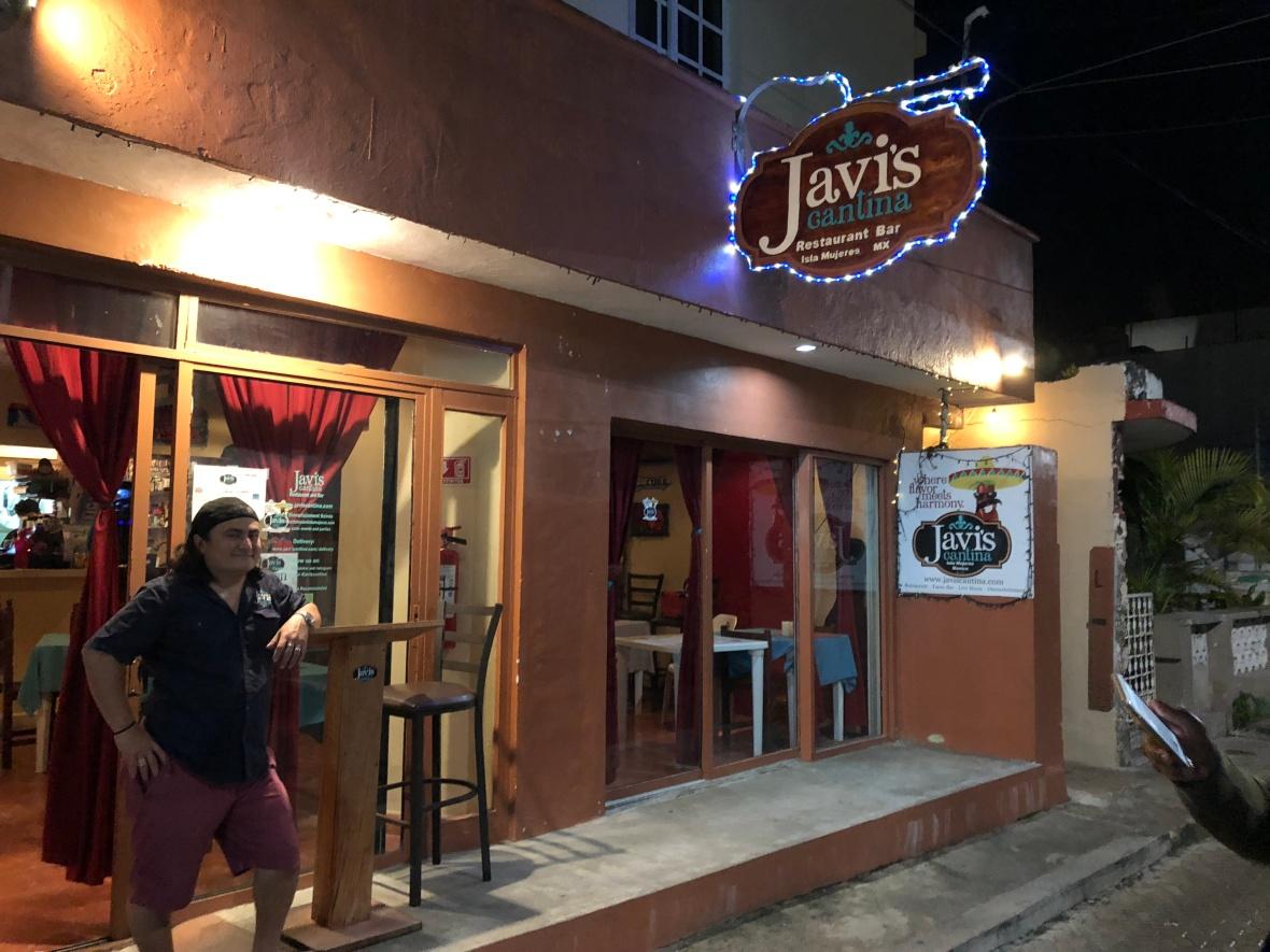 Javis Eat.JPG